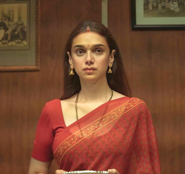 Twitterati reacts to Aditi Rao Hydari's breakthrough performance in the Netflix anthology 'Ajeeb Daastaans'
